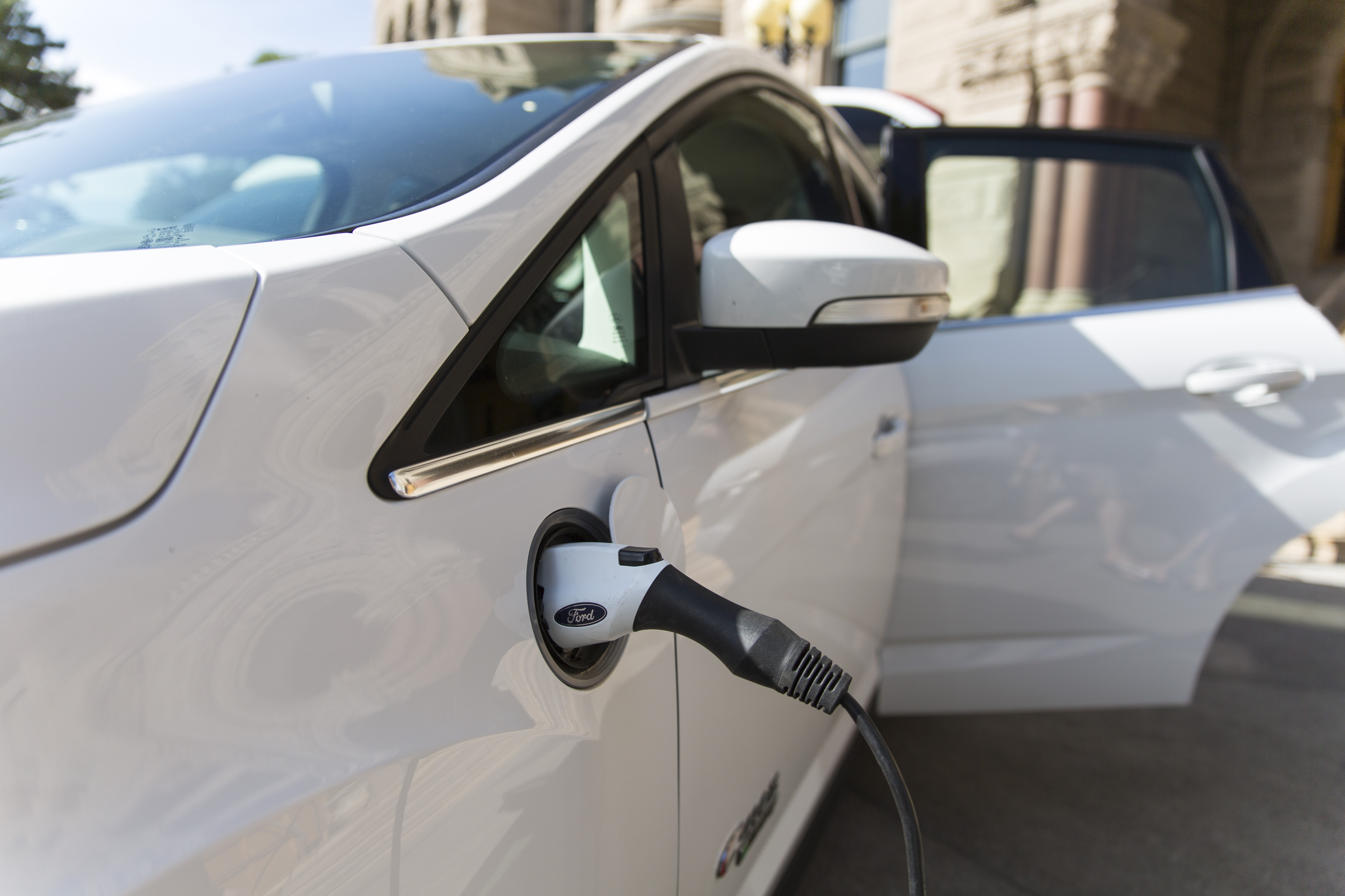 Salt Lake City and University of Utah collaborate to help make electric cars more affordable.